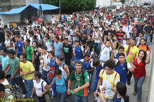 Estudantes Passeata 02 por você.