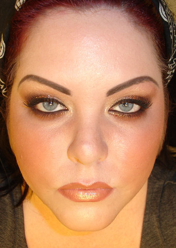 Front view of Arabic makeup tutorial