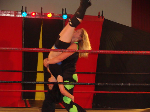 Summerlynn soundly defeated Blue with a piledriver.