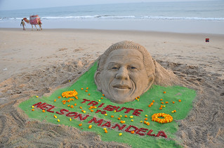 Tribute to Nelson Mandela by Sand Artist Manas Kumar Sahoo