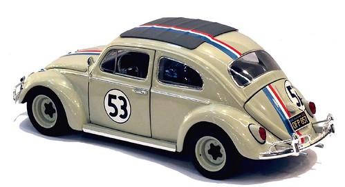Mattel Hot Wheels VW Herbie 1-43 (1)