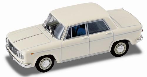 27 Lancia Fulvia 2C_sx