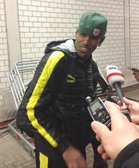 Felipe Sanata froehlich und gluecklich nach dem BVB-Sieg gegen Malaga