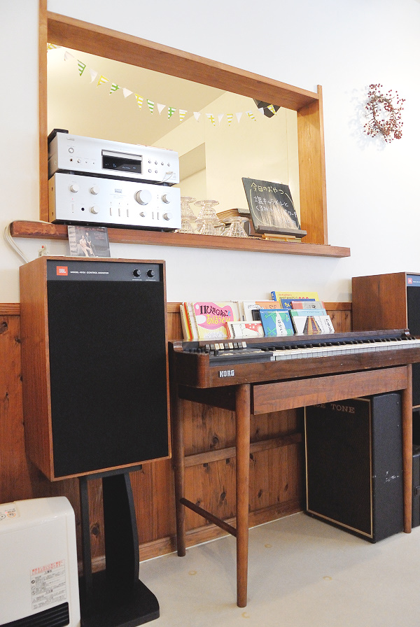 cafe organ9.jpg