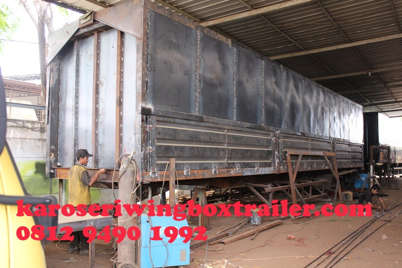 karoseri-trailer-3-axle-wingbox