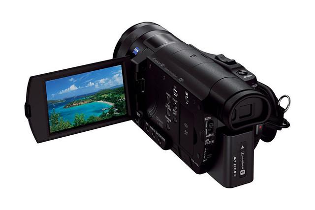 Sony-FDR-AX100-2