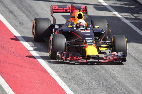 Daniel Ricciardo in his Red Bull in Formula One Winter Testing 2017 at the Circuit de Catalunya