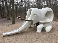 Elefant auf dem Kinderspielplatz