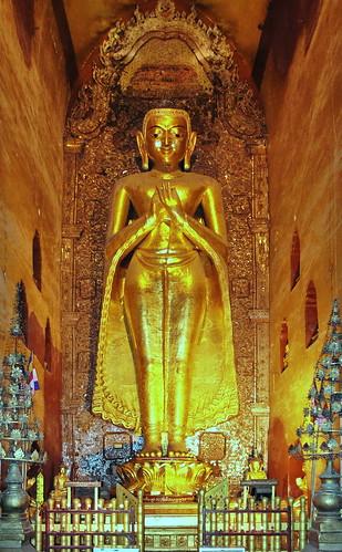 burma streetlife temples myanmar pagodas bagan asienmanphotography