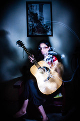 Bruja con guitarra