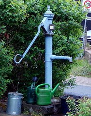 "Die Wasserpumpe • <a style=""font-size:0.8em;"" href=""http://www.flickr.com/photos/42554185@N00/15697510411/"" target=""_blank"">View on Flickr</a>"