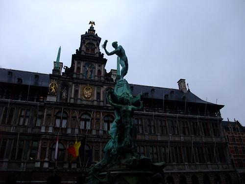 Statue Brabo/ブラボー像