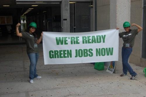 Democracia U.S.A. - Latinos Go Green / Latinos Por La Tierra - Miami, FL
