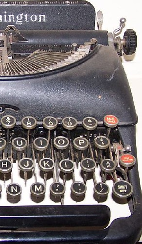 Typewriter by Heavenly Cabins http://www.flickr.com/photos/31693711@N08/