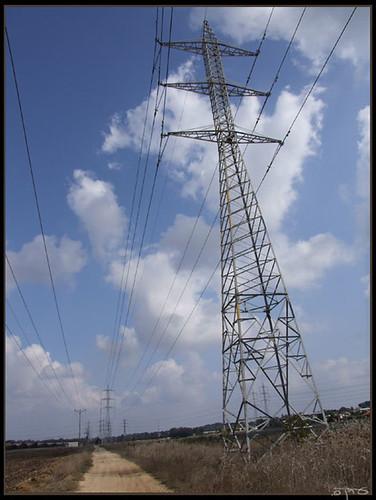 Electric road - דרך מחשמלת  By Eran Finkle