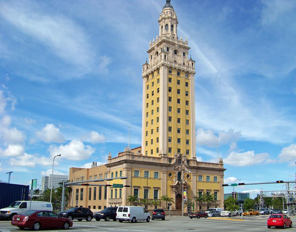 Resultado de imagen de freedom tower miami