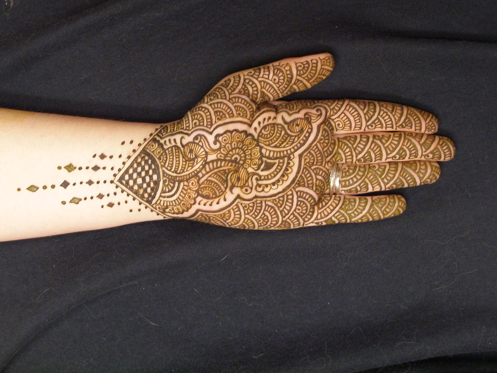 henna / mehndi full palm design