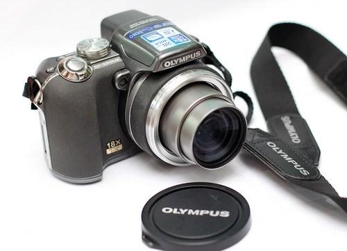 Olympus SP-550UZ 8