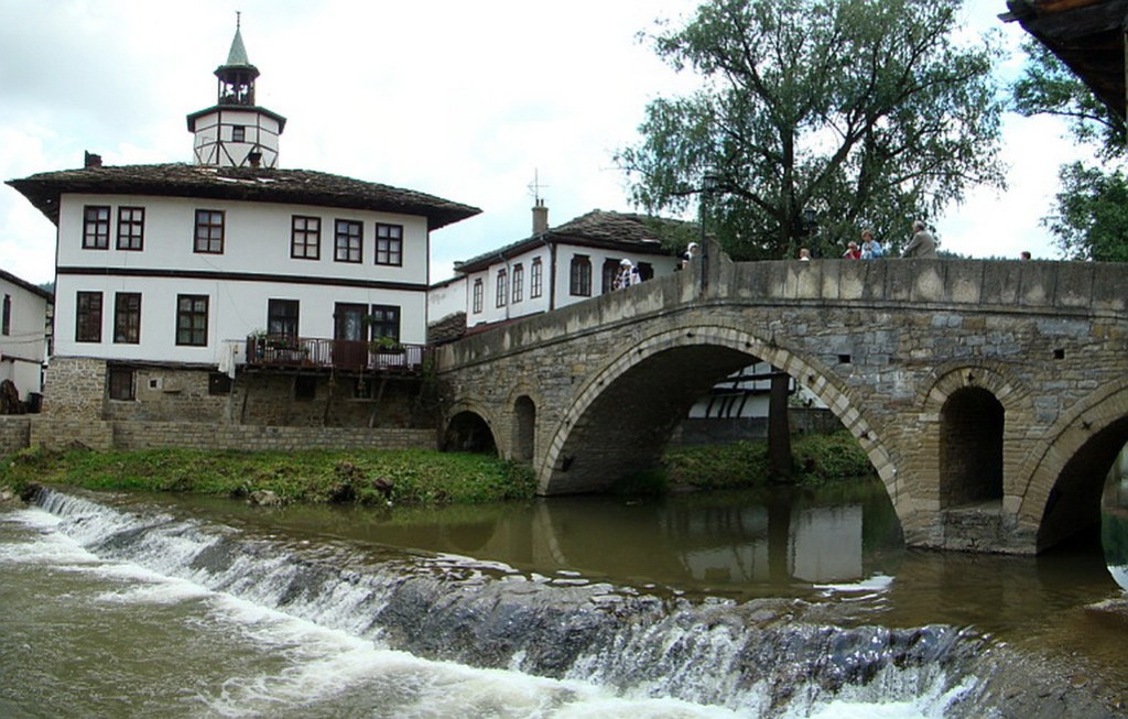 puente antiguo kivgireniyat y Torre del Reloj Tryavna Bulgaria 66