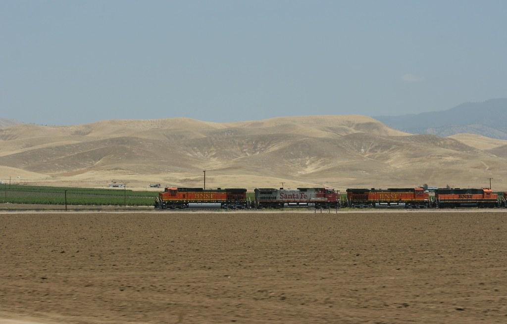 5835558116 cef4155dfb b 3 California Metros with Flourishing Economies