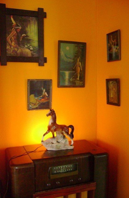 indian maiden prints & horse t.v. lamp