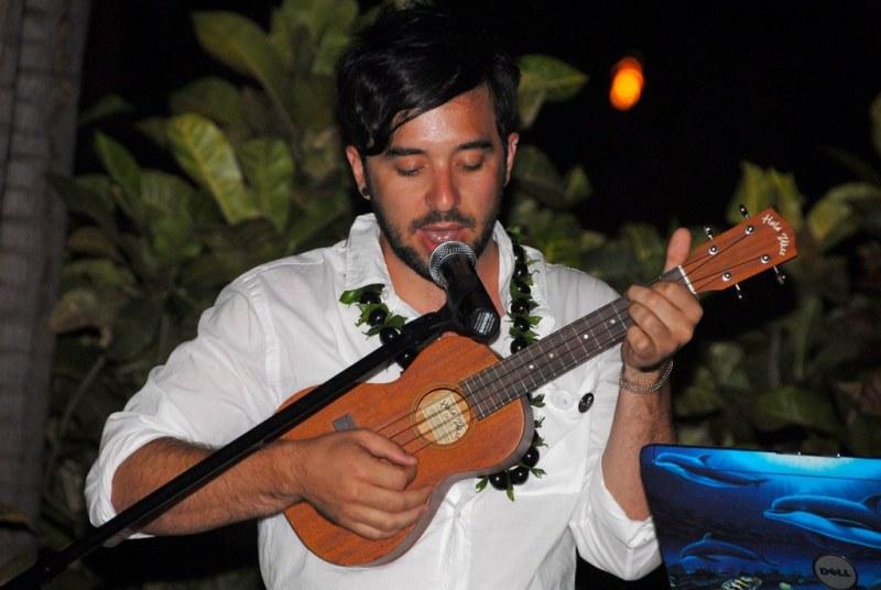 erik playing a song