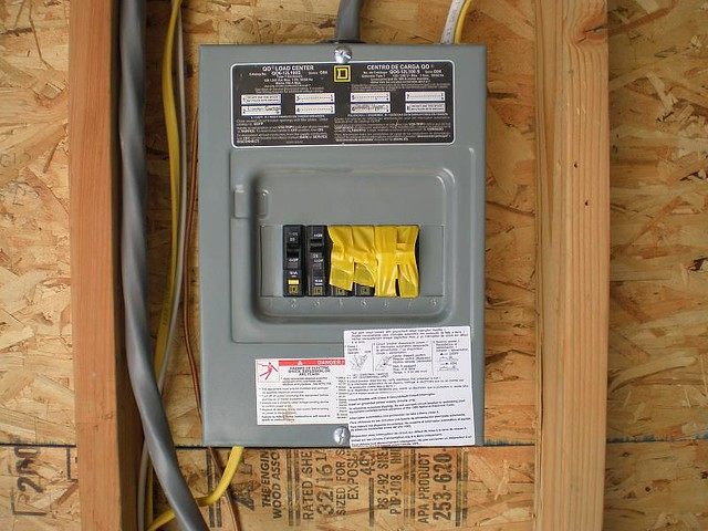 20080810 - Garage Breaker Box Wired