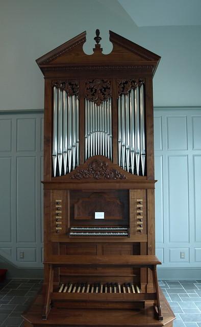 Small Pipe Organ Home