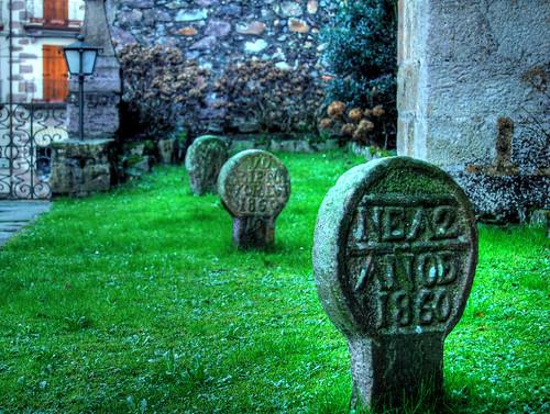 Etxalar - Estelas funerarias - CC Zigor Belaustegigoitia