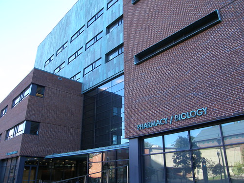 Edificio de Farmacia y Biología (aquí trabajo yo)