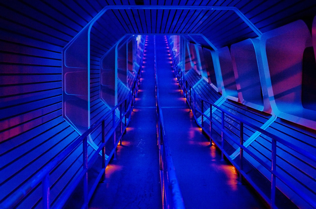 Disney - Space Mountain Star Tunnel