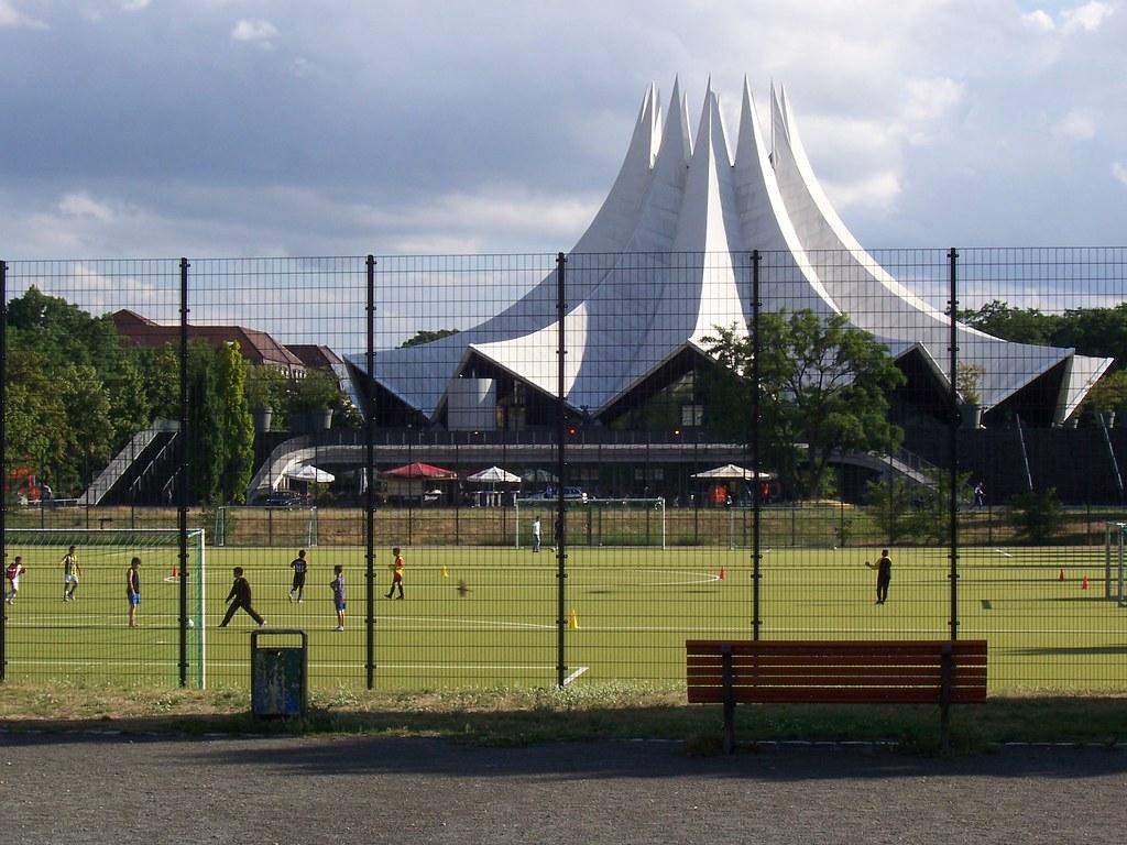 Fußballplatz beim Tempodrom
