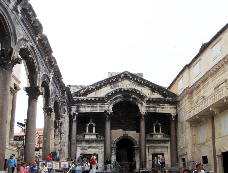 Peristilo Palacio Diocleciano Split Croacia 36