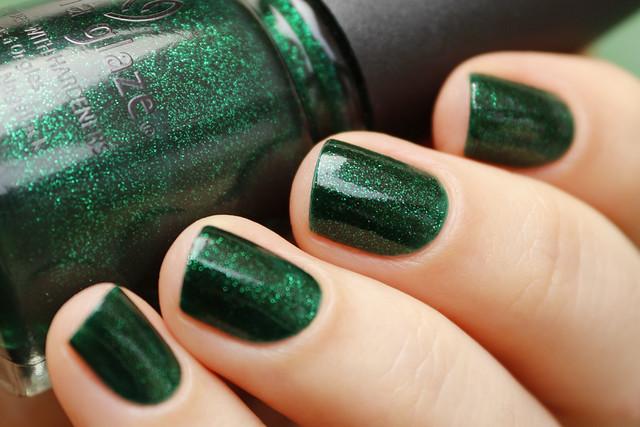 06 China Glaze Emerald Sparkle swatches