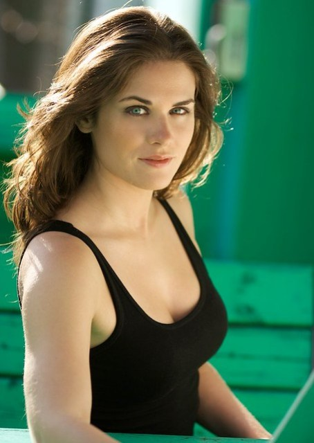 Lisa Bettany (Natural light, whiteboard/umbrella bounce)