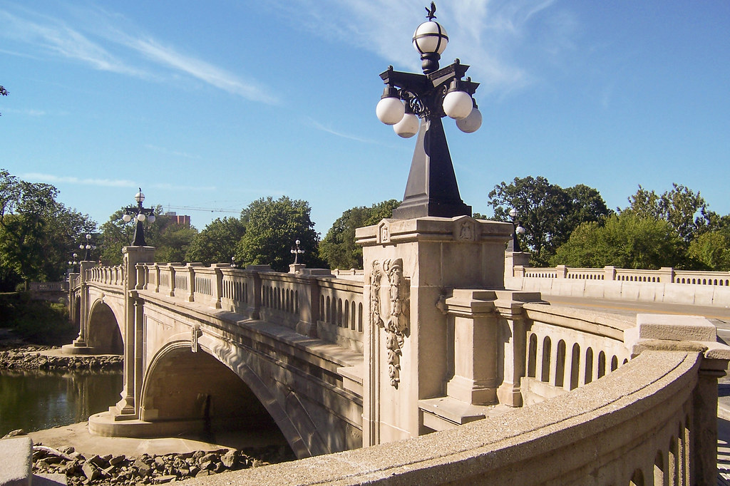 Leeper Park bridge
