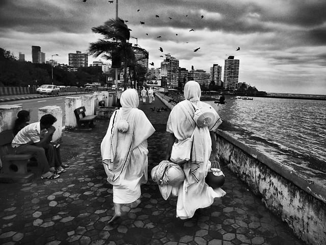 Svetambaras at Haji Ali, Mumbai
