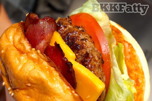 beautiful daniel thaiger burger food porn