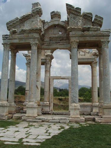 200905200232_Aphrodisias-temple-of-Aphrodite