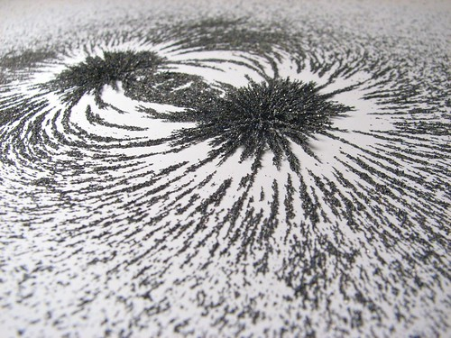 Magnetic field - 15 by Windell Oskay CC Flickr