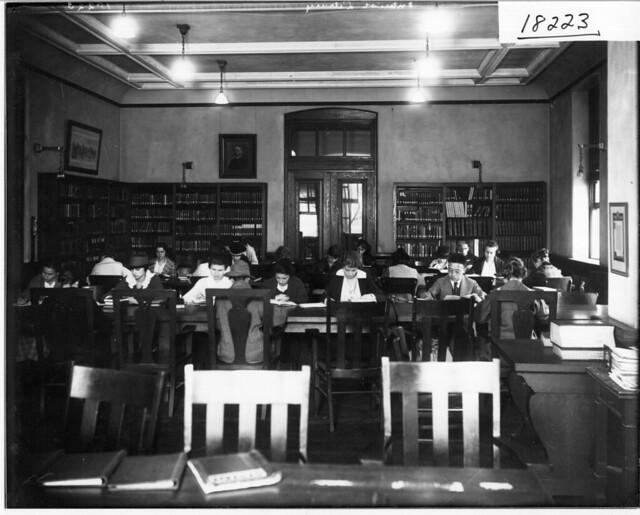 Alumni Library reading room 1919