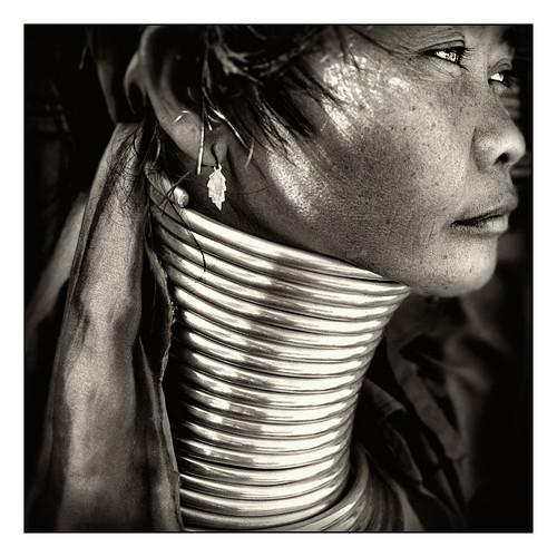 JOSÉ LUIS GARCÍA GARCÍA.  Mujer Jirafa ( Tailandia)
