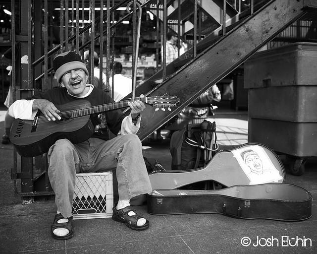 Street Musicians:Buskers Photo Essay - 24 por Josch Elchin