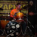 Politique at Zaphod Beeblebrox