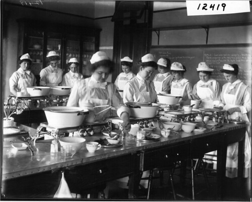 Ohio State Normal College domestic science class in cooking classroom 1913