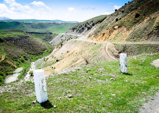 Hrazdan Gorge road