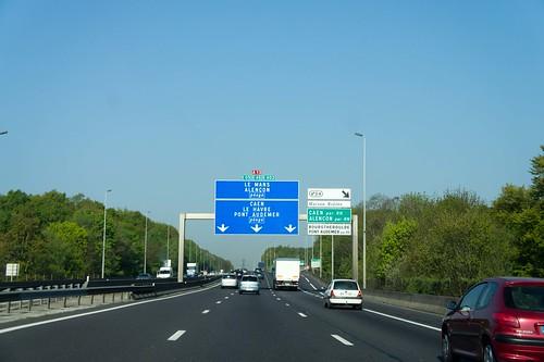 traffic sign europe 20110418-DSC00590