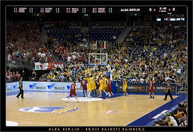 Basketballspiel 9:45 1.Viertel