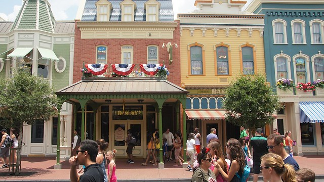 Story of Starbucks at Walt Disney World How Disney made modern