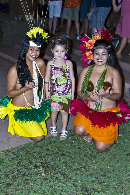 Annabel and the hula dancers